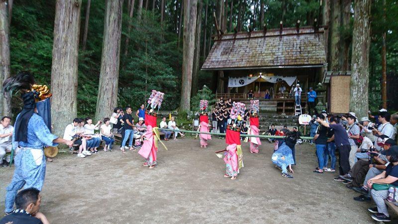 下名栗諏訪神社 獅子舞
